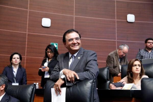 Benjamín Robles pide licencia