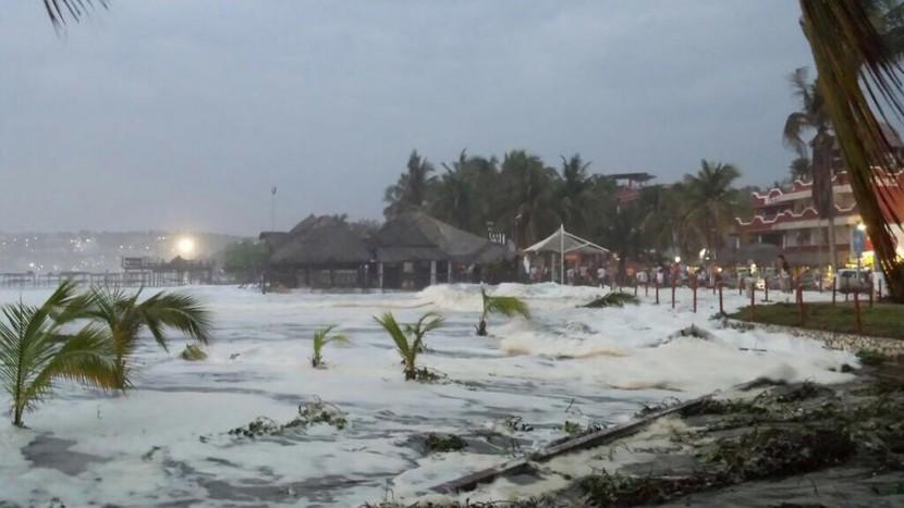 Alerta en la Costa de Oaxaca por mar de fondo