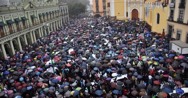 Megamarcha en Xalapa y Veracruz en defensa de la UV