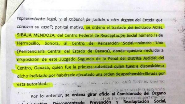 Ordenan trasladar a Oaxaca a líder de la Sección 22
