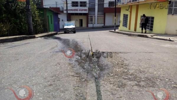 DENUNCIA CIUDADANA: Reportaron la fuga de agua y no les hacen caso