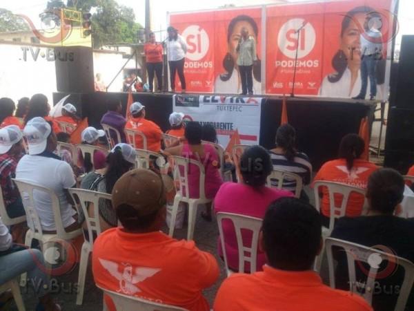 Sin acarreados, Elvira Hernández inició campaña