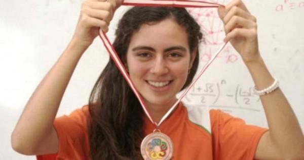 Olga Medrano es la primera mexicana que gana oro en la Olimpiada Europea de Matemáticas