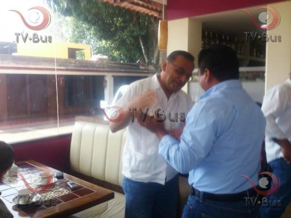 GALERÍA: El abrazo de despedida Grajales-Dávila