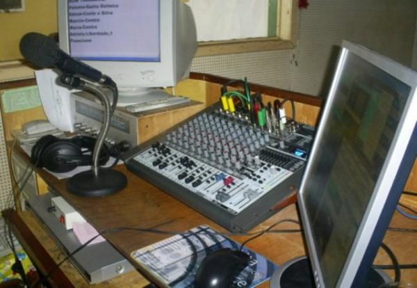 Ultiman a locutor de radio en Oaxaca