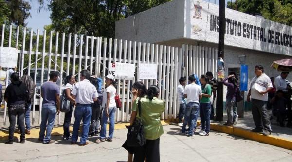 Hasta 20 mil pesos cobraba Sección 22, por servicios en el IEEPO