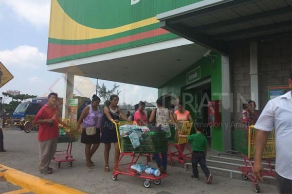 Reabre sus puertas Bodega Aurrerá en Juchitán