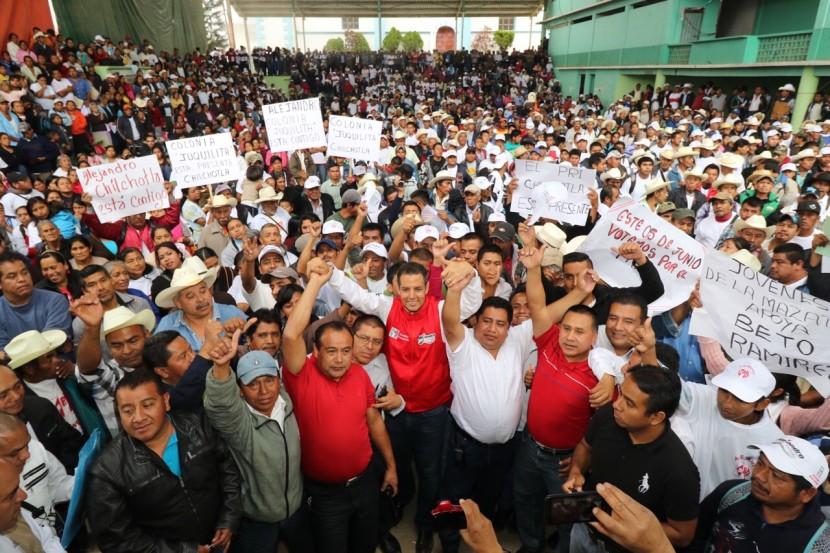 Cambiar el destino de Oaxaca, compromiso de Alejandro Murat Hinojosa en Chilchotla