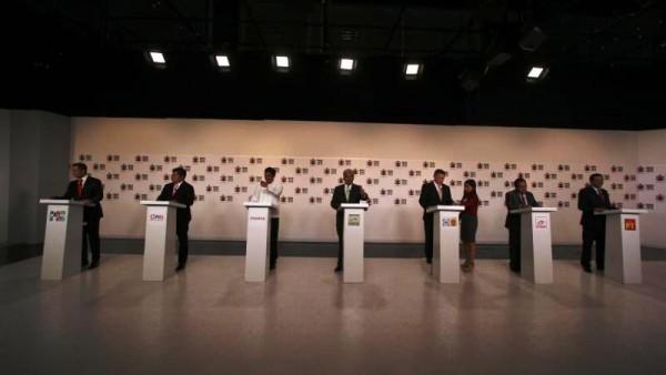 Los candidatos a gobernador en Oaxaca lanzan acusaciones más que debatir