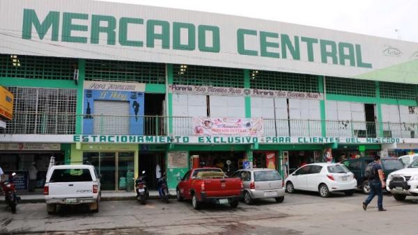 Mercado Central será beneficiado con proyecto de rehabilitación: Dávila