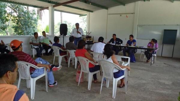 Irineo cuenta con el respaldo educativo de la zona 059