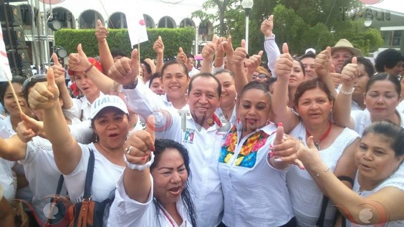 Multitudinaria marcha en apoyo a Silvino Reyes
