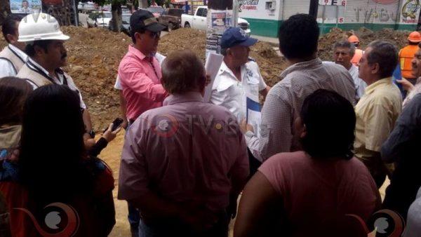 FOTOS: Comerciantes detienen obra de cinco de mayo