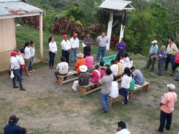 Fortalecer el eco turismo e impulsar proyectos en apoyos a los cafeticultores en Valle, propuesta de Elvia Andrade
