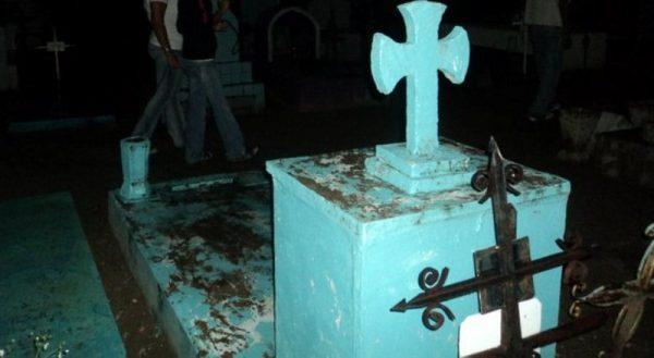 ¿Ritos satánicos y hechicería en panteón de Tuxtepec?