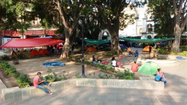 Instala Sección 22 plantón en Oaxaca