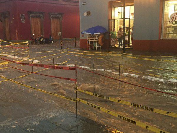 Azota fuerte lluvia a Oaxaca