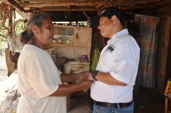 Lalo Ximénez llama a votar y a no dejarse engañar por quienes aspiran a perpetuarse en el poder