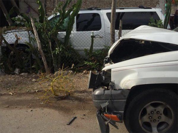 Impactan camioneta en que viajaba Felipe Calderón