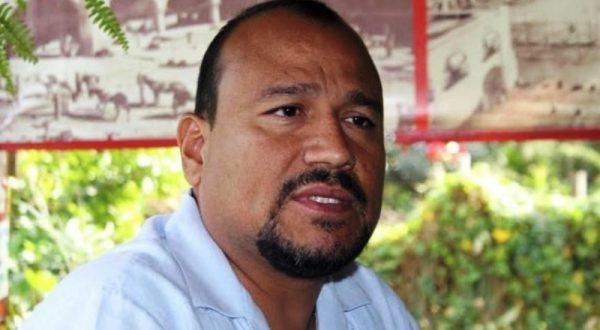Dirigente de la CNTE será enviado a penal federal por robo de libros