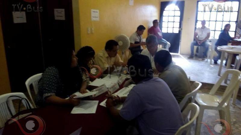 Inicia conteo de votos en consejo distrital 02