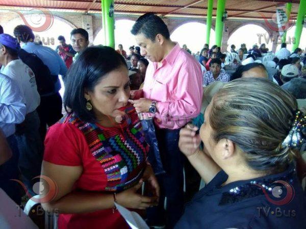 Parece que a Peña Nieto le importan más cien empresarios que 600 mil firmas: Karina Barón