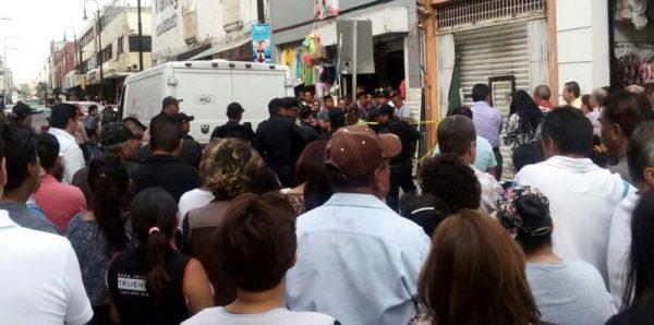 Encuentran dos cadáveres en tienda de ropa del Centro en CDMX