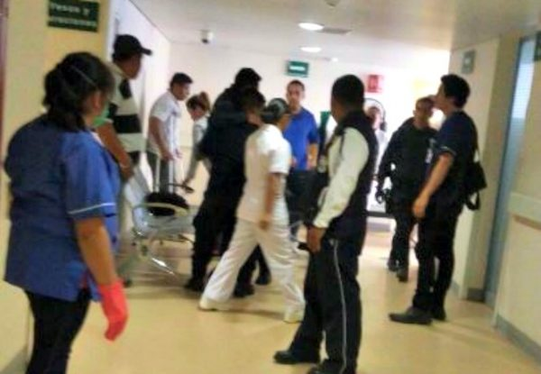 Reportan 6 policías heridos y 20 detenidos por desalojo en Oaxaca