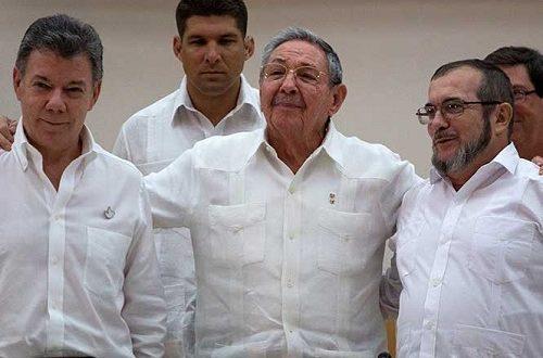 Santos y FARC firman cese al fuego definitivo