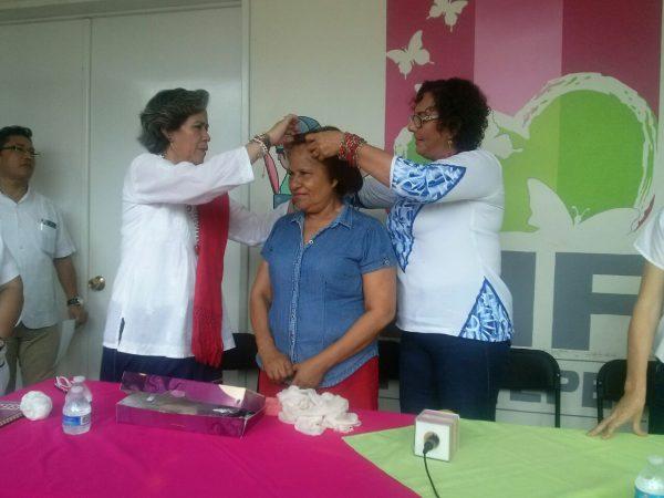 Judith venció el cáncer, recibió peluca oncológica