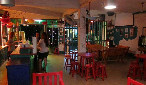 Propietarios de bares y cantinas, renuentes en respetar horarios