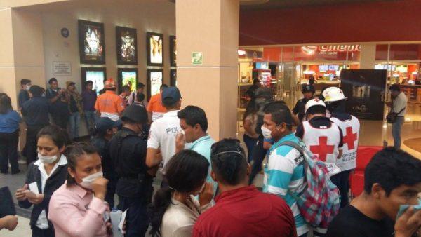 Reportan gas pimienta en Macroplaza de Oaxaca