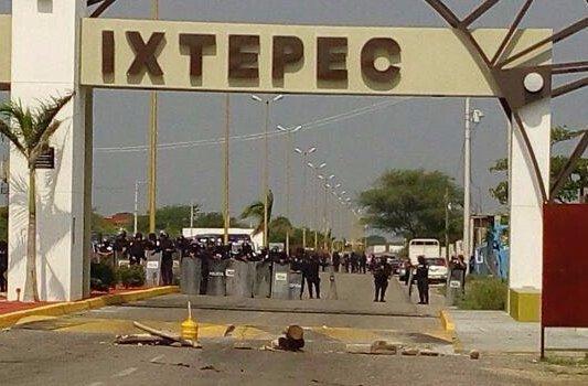 Extiende Policía Federal desalojo en Ixtepec, niegan pasar por Juchitán y Tehuantepec