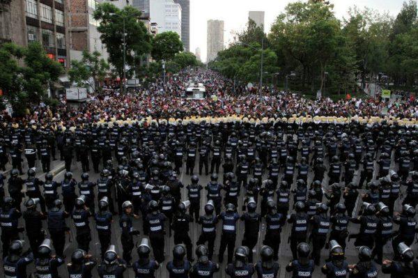 Rechazo mundial a la brutal represión contra los maestros