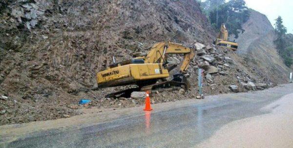 Se restablece la circulación en la carretera federal 175 ante deslave: SSPO