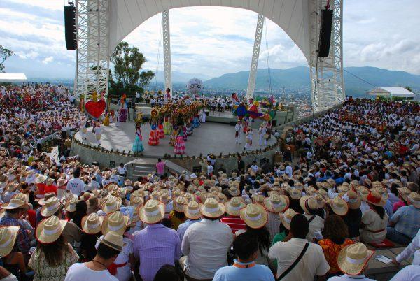 Nuevamente la Guelaguetza llega a los hogares en la octava del Lunes del Cerro