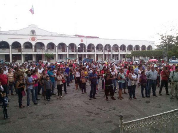 Maestros de Tuxtepec, realizan mitin tras detención de líderes