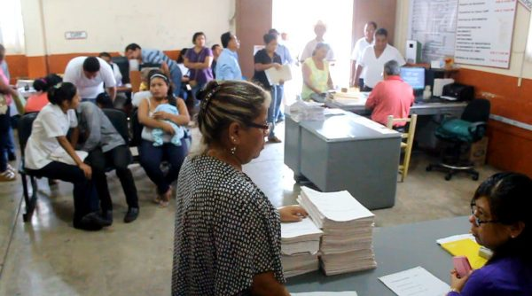 Registro civil dejó de atender 300 trámites el lunes