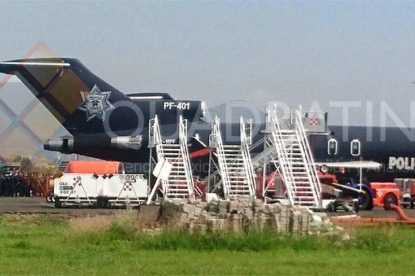 Llegan 2 aviones de la Policía Federal al aeropuerto de Oaxaca