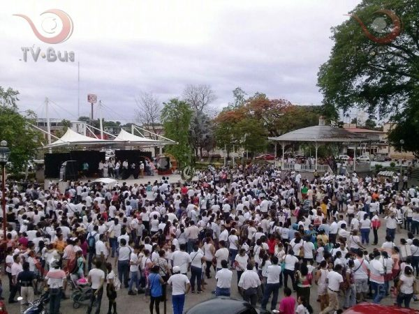 FOTOS: En Tuxtepec, maestros y padres condenan la violencia en Nochixtlán