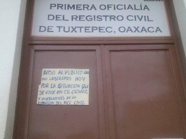 Cerraron dependencias de gobierno en la Cuenca, por conflicto magisterial