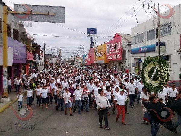 FOTOS: Marcha del Silencio, maestros y padres de Tuxtepec