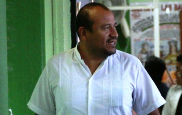 Villalobos, secretario de la CNTE, se reserva derecho a declarar