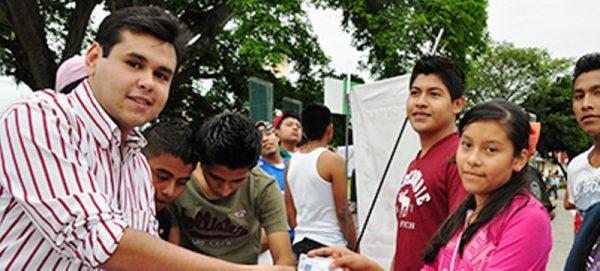 Pretenden apoyar a jóvenes emprendedores, aún no lanza convocatoria 2016