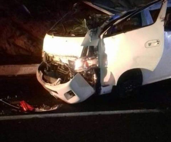 Fatal volcadura en Huatulco; 17 lesionados y una persona sin vida