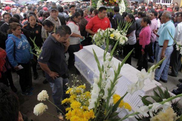 Velan a joven que murió durante enfrentamiento entre CNTE y policías en Oaxaca