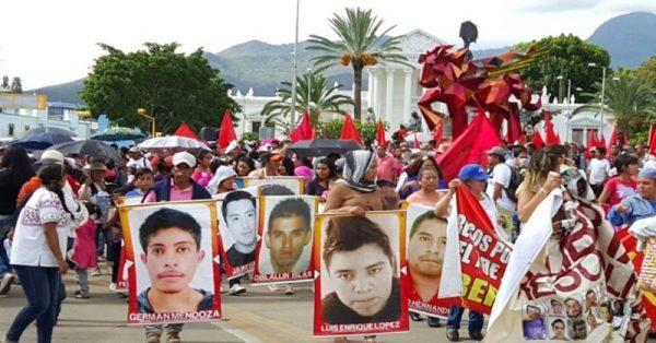 Marchan en Oaxaca, por libertad de presos politicos