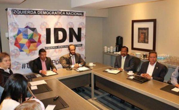 Renuncia secretario del Trabajo de Oaxaca; acusa a Cué por violencia