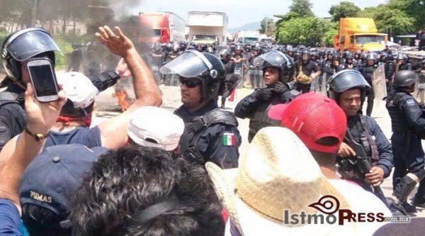 Se activa nuevo bloqueo en Zanatepec