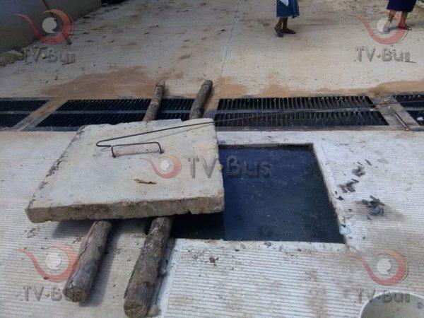 Piden al gobierno reparación de alcantarillas en la Rufino Tamayo